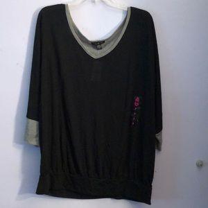 Black and gray 3/4 sleeve shirt